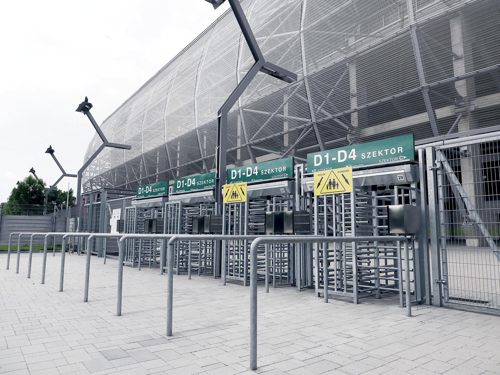 Elements of the infrastructure at spectator facilities